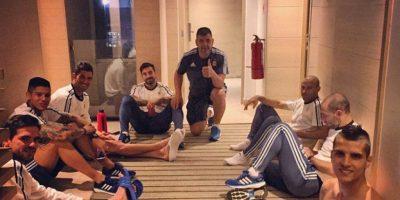 Erik Lamela nos compartió esta foto descansando con sus compañeros. Foto:Vía instagram.com/coco_lamela11