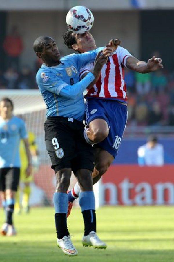 Llegó a Chile 2015 como el sustituto de Luis Suárez pero no lo consiguió. Fue titular en los cuatro partidos que jugó Uruguay en la Copa pero no logró anotar y un gran error suyo fue fundamental en la derrota de Uruguay ante Argentina. Foto:Getty Images