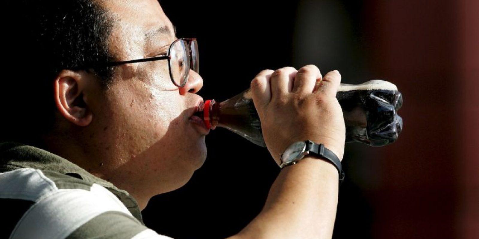 Comer implica, además de ingerir alimentos, desconectar de lo que estábamos haciendo. Foto:Getty Images