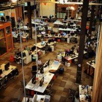 Así son los espacios de trabajo en la red social. Foto:instagram.com/scottshapiro23