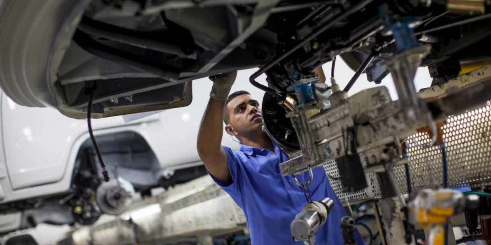 De acuerdo a lo informado por Volkswagen, el hombre fue asesinado por un robot Foto:Getty Images