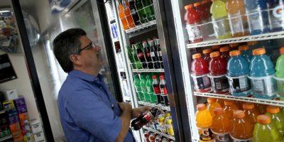 El consumo de bebidas azucaradas esta afectando a los mexicanos. Foto:Getty Images