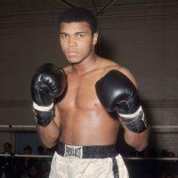 """4. Muhammad Ali, el considerado mejor boxeador de la historia aseguró que era tan talentoso que podría triunfar en cualquier disciplina: """"En el golf también soy el mejor, sólo que todavía no he jugado"""". Foto:Getty Images"""