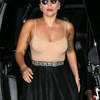 Tatuajes y falda midi, para el verano. Foto:vía Getty Images