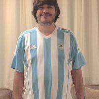Jaime Bayly, escritor peruano y presentador peruano, se puso la camiseta de Argentina Foto:Vía twitter.com/jaimebayly