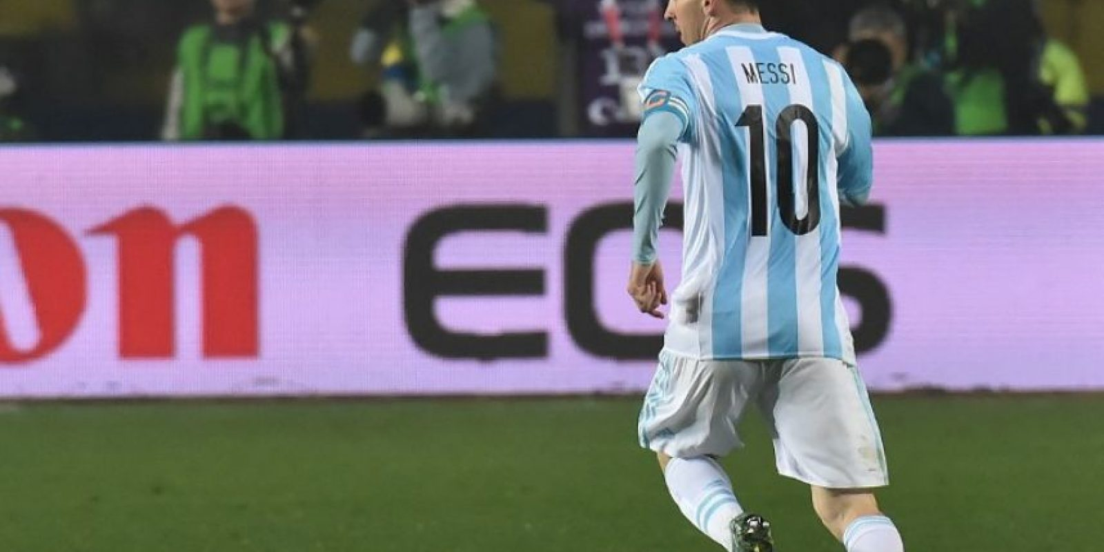 Pero Argentina tiene a Lionel Messi, el mejor futbolista de los últimos tiempos, quien también anhela un título con su selección Foto:AFP