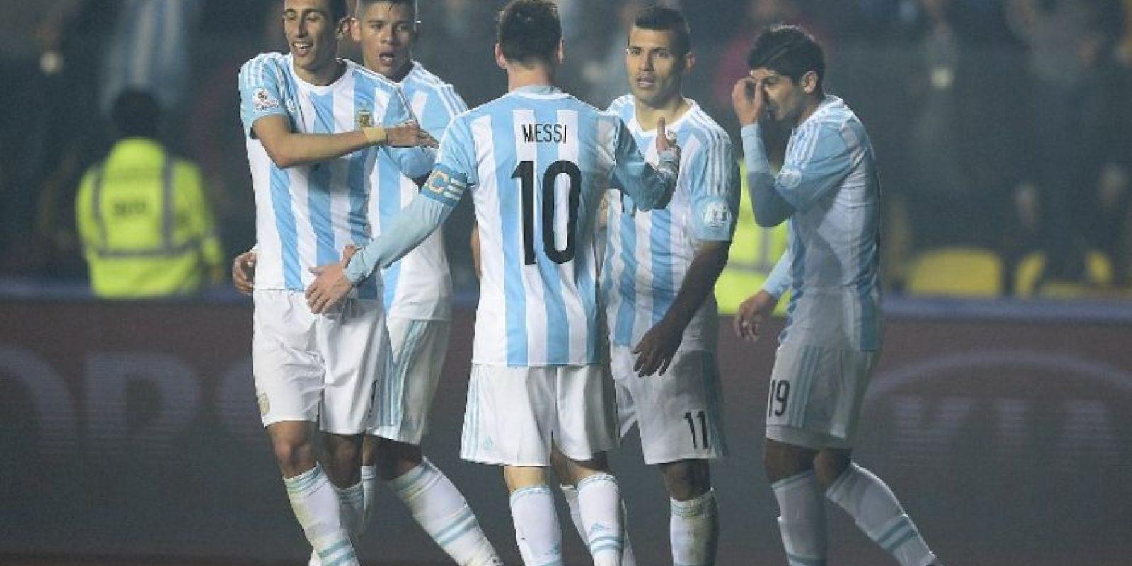 Se han enfrentado en 37 ocasiones, con 27 victorias para Argentina, nueve empates y solo una victoria de Chile. Foto:AFP