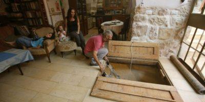 Familia israelí descubre reliquia arqueológica debajo de su casa