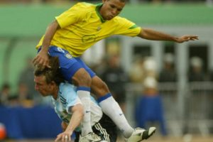 Copa América 2004: Argentina 2-2 Brasil (2-4 penales). Foto:AFP