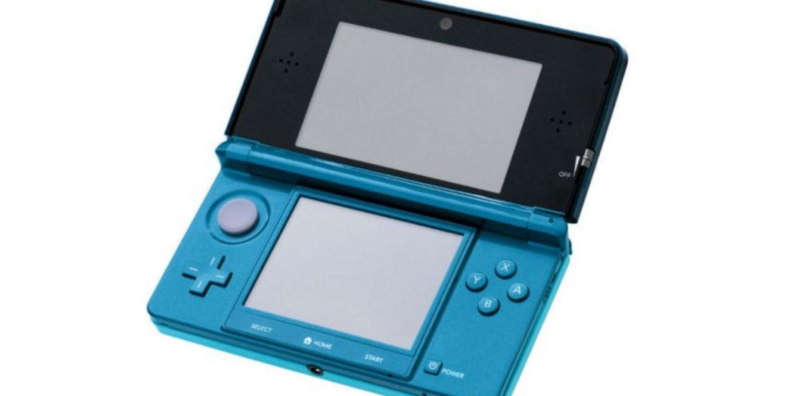N3DS cuenta con dos pantallas que son usadas al mismo tiempo. Los videojuegos para esta consola suelen ser de estrategia Foto:Nintendo