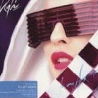 Kylie Minogue, de lentes. Foto:vía Listal