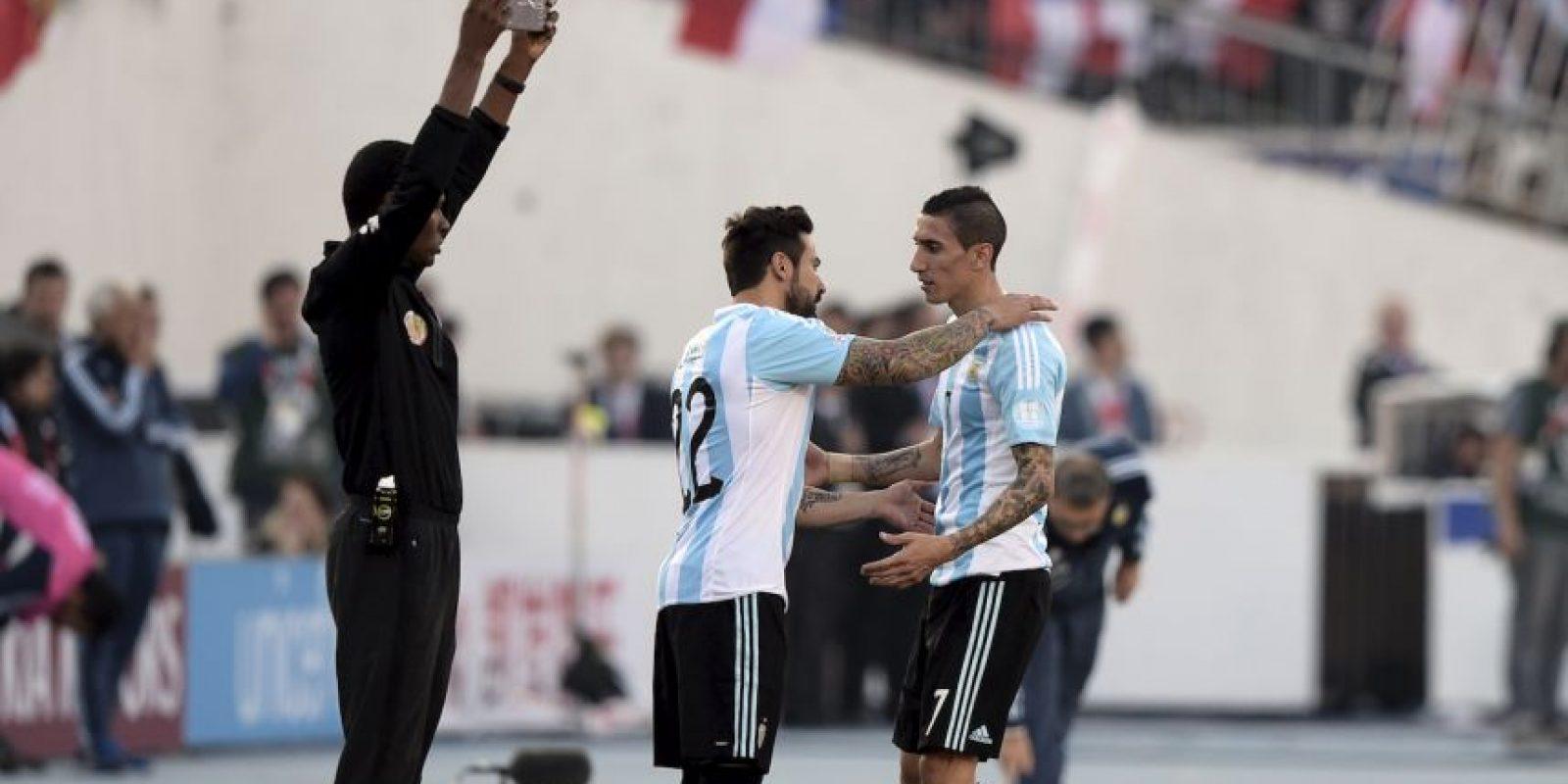 En el minuto 29′ Di María salió de la cancha para darle paso a Ezequiel Lavezzi Foto:AFP