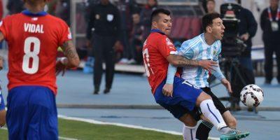 La agresión fue en el minuto 34 Foto:AFP