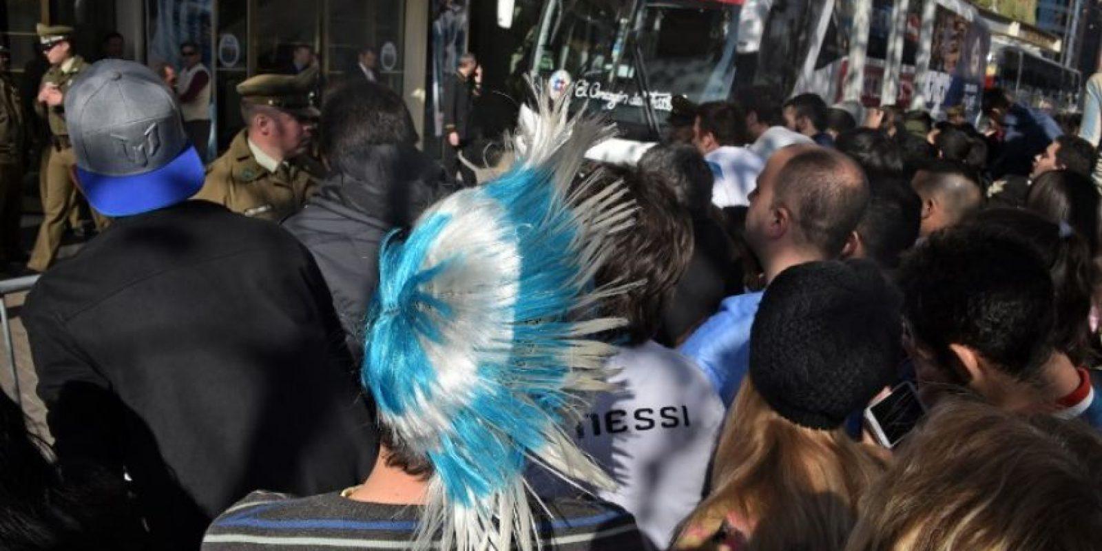 El color de los hinchas argentinos en el torneo continental Foto:AFP