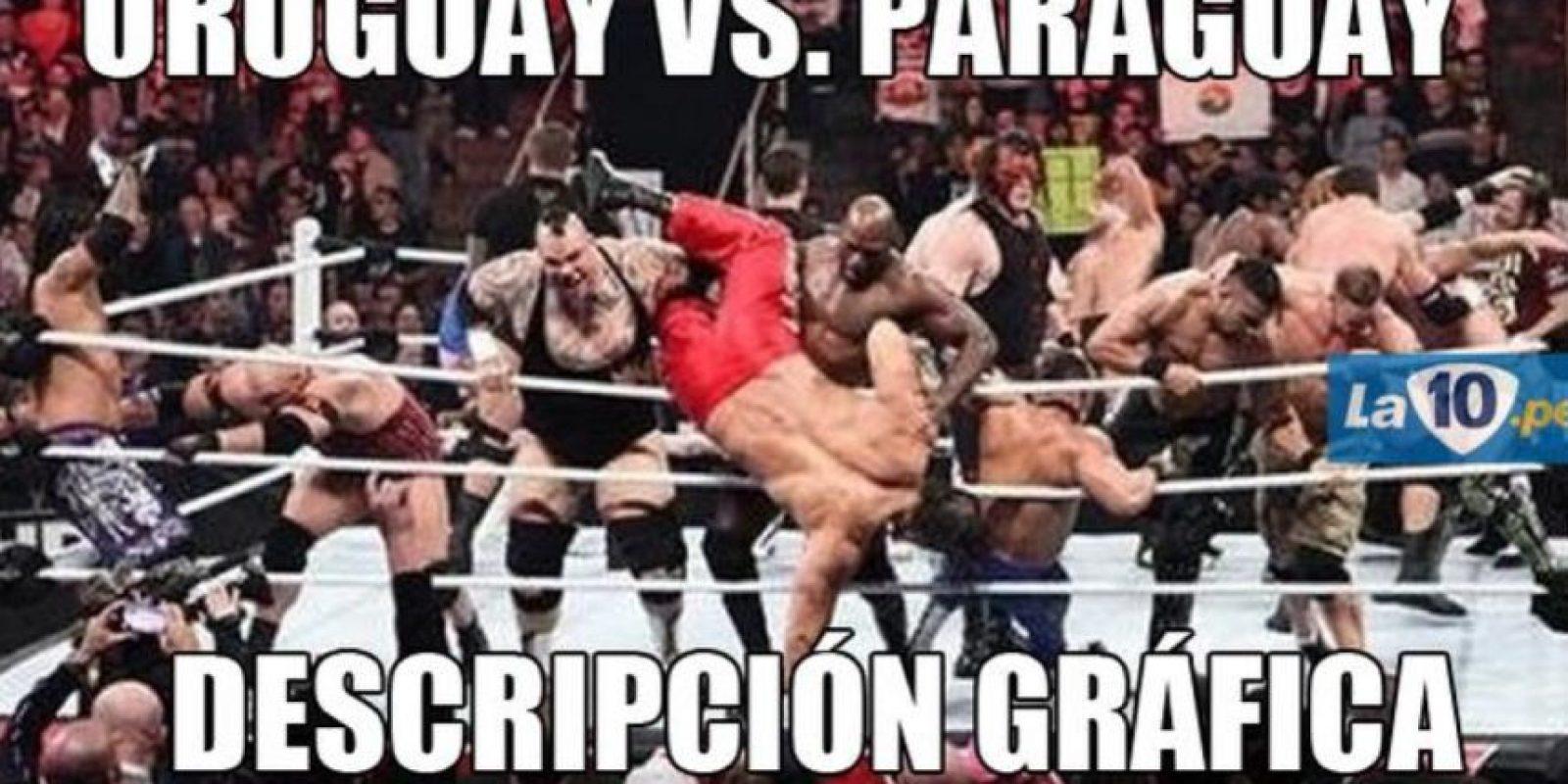 El peleado partido de fase de grupos entre charrúas y guaraníes terminó 1-1 Foto:Twitter