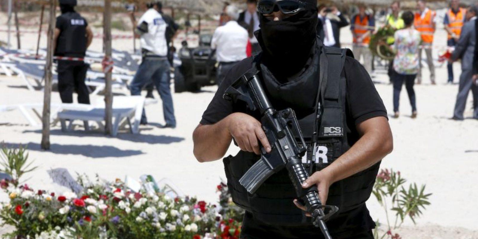 Túnez se declaró en estado de emergencia tras atentado en la playa de un hotel. Foto:AP