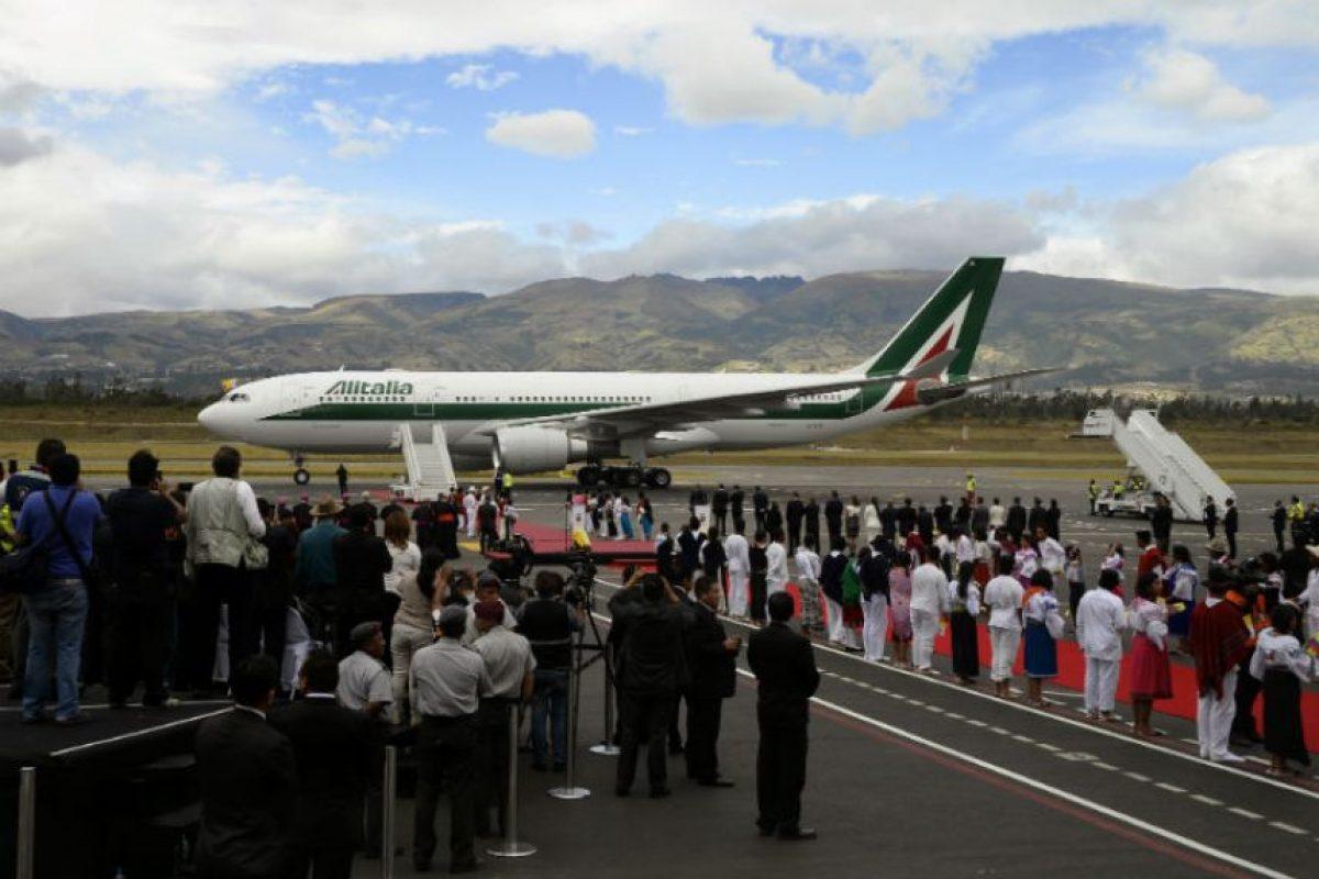 Llega el apa Francisco a Latinoamérica Foto:AFP