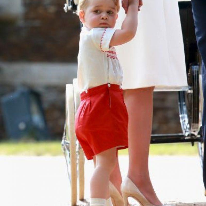 La princesa fue utilizó el mismo atuendo que su hermano para su bautizo. Foto:Getty Images