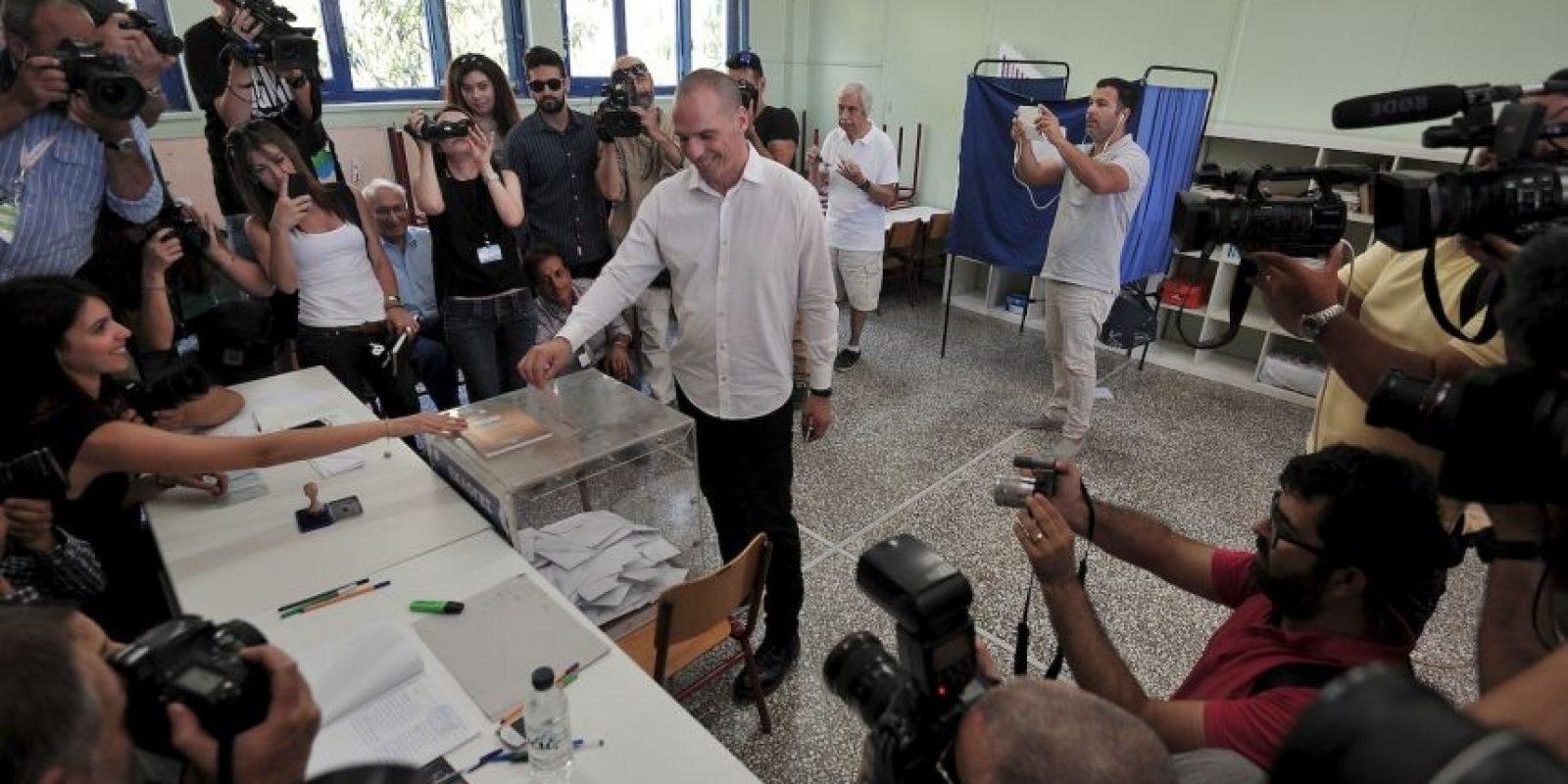 El presidente griego, Prokopis Pavlopoulos, pidió a los griegos seguir unidos sin importar el resultado. Foto:AP