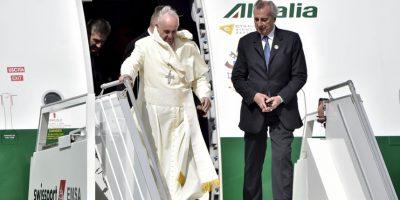 Llegó por la tarde tiempo local, al Aeropuerto Internacional Mariscal Sucre, en Quito. Foto:AFP