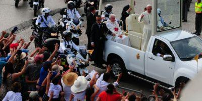 El Papa Francisco fue recibido con ovaciones. Foto:AFP