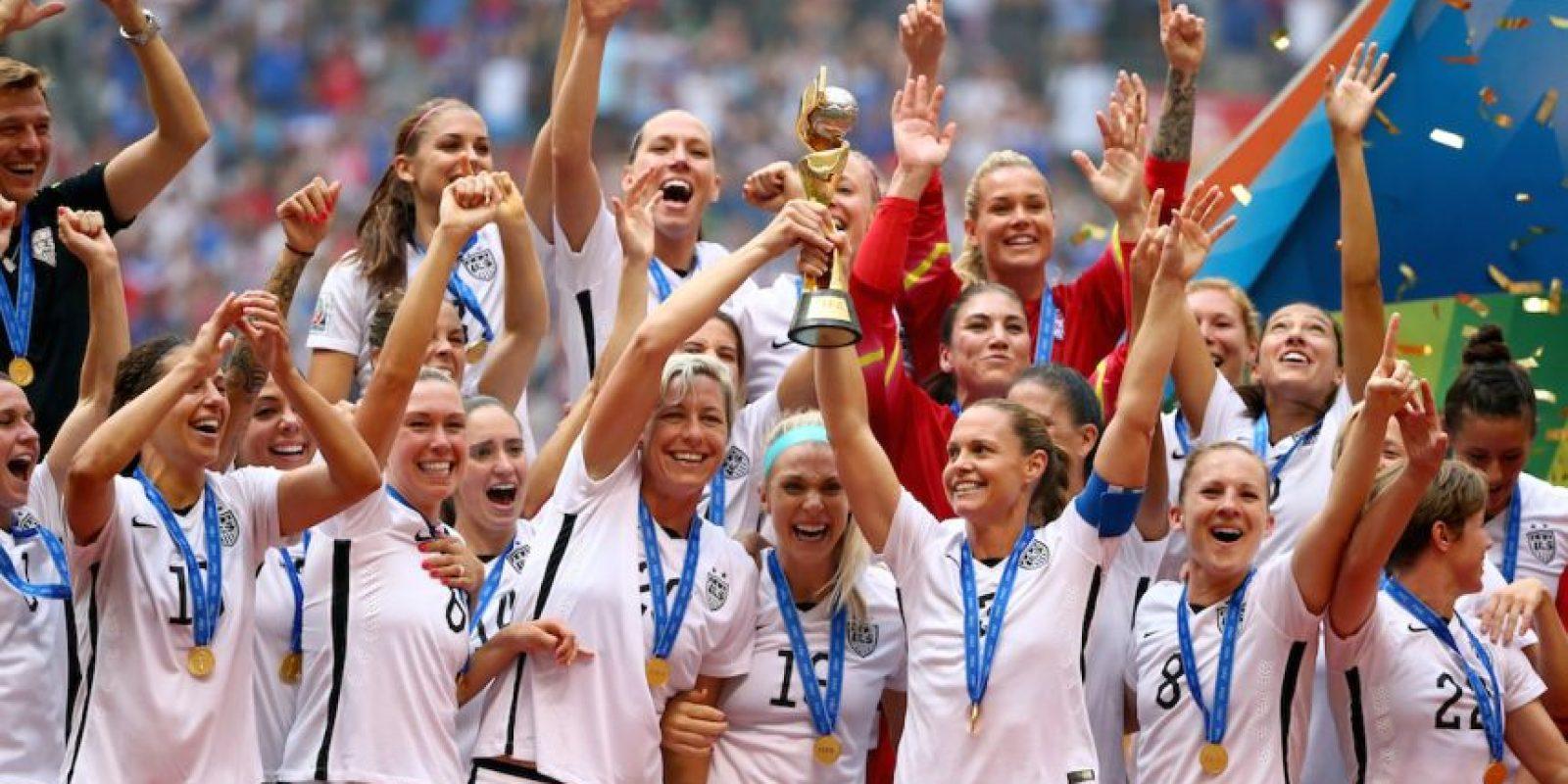 El combinado estadounidense se llevó un premio de 2 millones de dólares, una cifra nada despreciable, pero que si se compara con otros gastos de la FIFA, queda muy por debajo. A continuación les presentamos 5 gastos inútiles de la FIFA que superan el premio a las Campeonas del Mundo Foto:Getty Images