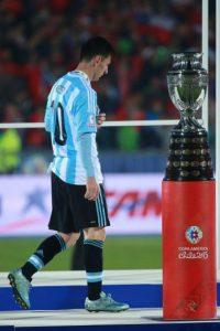 Por ello, comenzaron a dedicarles varios insultos a la familia del Argentino. Foto:Getty Images