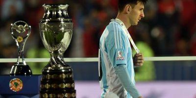 """""""Messi no pudo demostrar su habitual capacidad para desnivelar y ser la carta ganadora del equipo"""", publicó el sitio de noticias InfoBAE. Foto:AFP"""