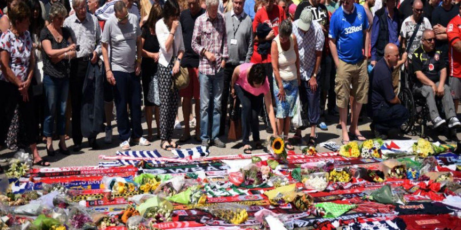 Las agencias turísticas también están colaborando para facilitar vuelos a la británicos que decidan irse de Túnez. Foto:AFP