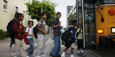 Daniel camina diariamente un kilómetro desde el lugar donde duerme hasta la escuela. Foto:Getty Images