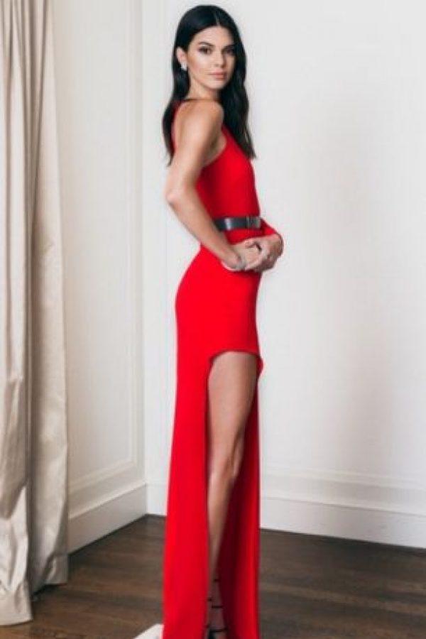 Rojo perfecto. Foto:vía Instagram/Kendall Jenner