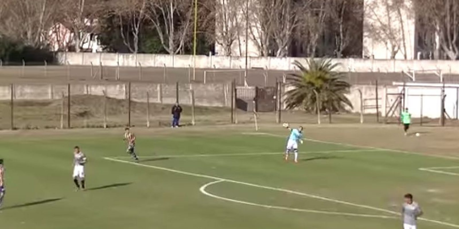 El arquero Rodrigo Cervetti tuvo un error que nunca olvidará Foto:Twitter