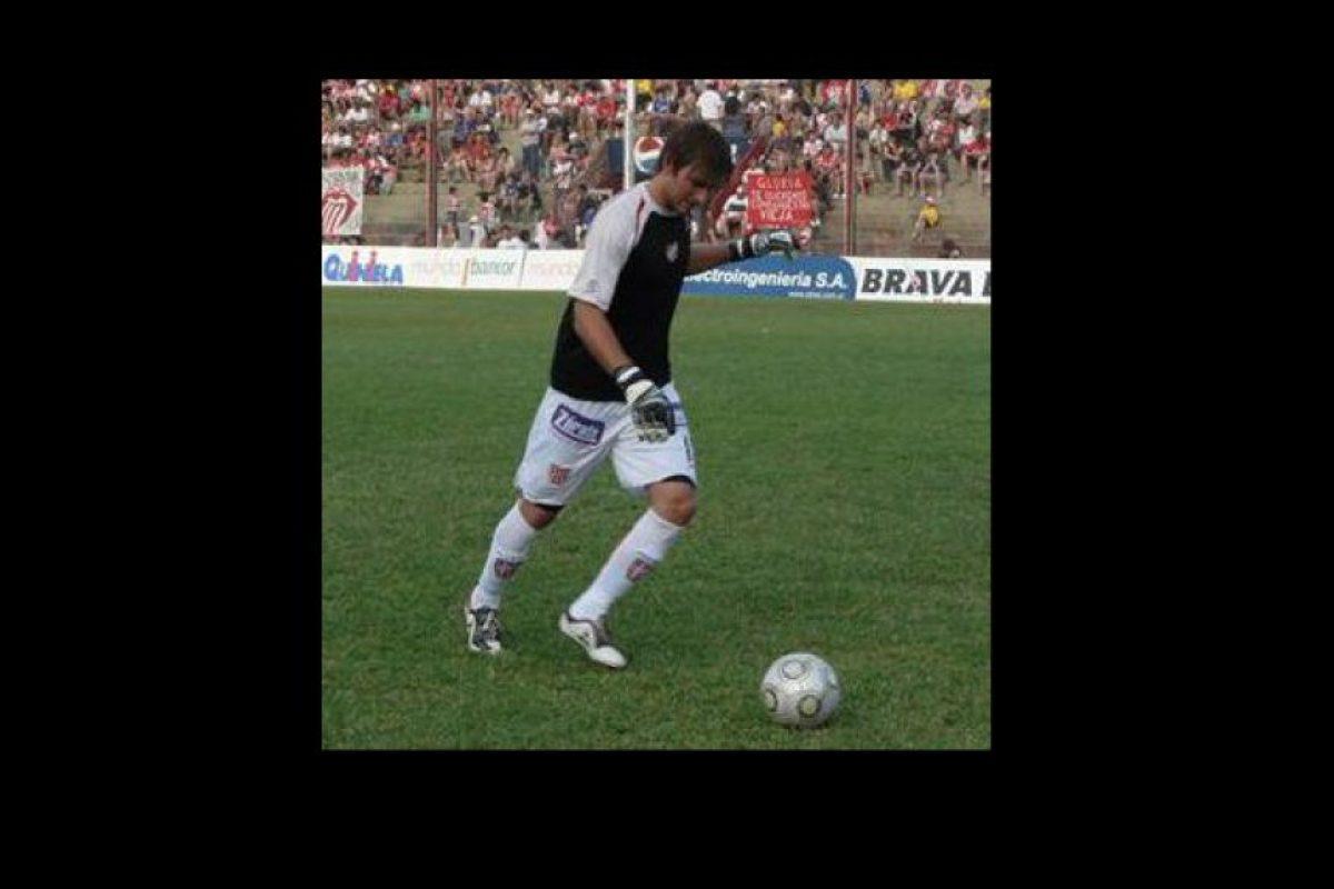 En las redes también circulan videos con grandes atajadas de Cervetti Foto:Vía facebook.com/rodrigo.cervetti