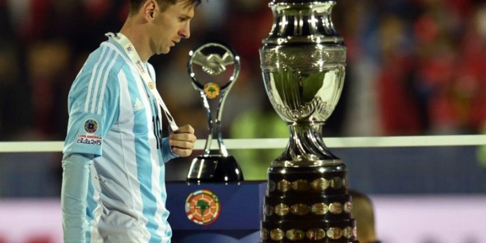 """Así sufrió la """"Pulga"""" la derrota de la """"Albiceleste"""" en la final de la Copa América 2015 Foto:AFP"""