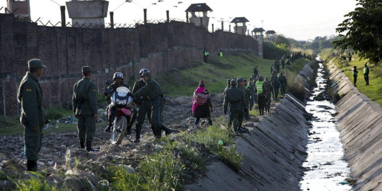 Fue la última actividad masiva de Francisco en Bolivia. Ahora parte hacia Paraguay, el último país que visitará en su gira por América Latina Foto:AP