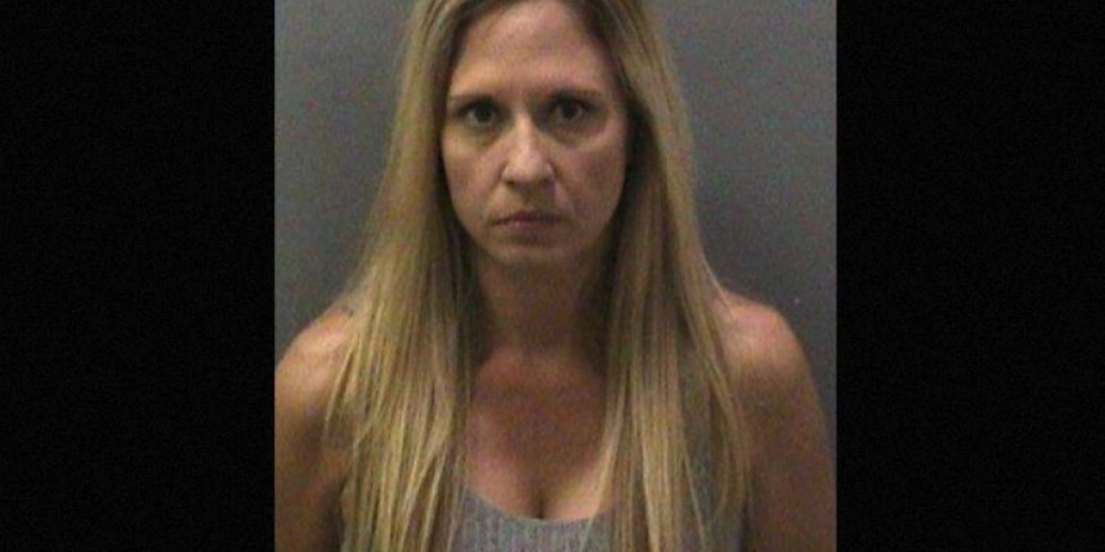 Melody Lippert, de 38 años. También fue acusada de tener relaciones en la playa, además de dar alcohol y drogas a sus alumnos. Foto:Twitter @OCSD