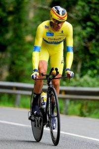 Finalmente, en 2012 el Tribunal de Arbitraje Deportivo (TAS) le impuso una suspensión por dos años y le quitó el titulo del Tour de Francia que había ganado en 2010. Foto:Getty Images