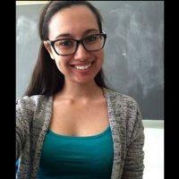 Tiene 24 años y fue detenida acusada de tener relaciones sexuales con uno de sus alumnos, de 17 años. Foto:Pinterest.com/fatimalalalala/