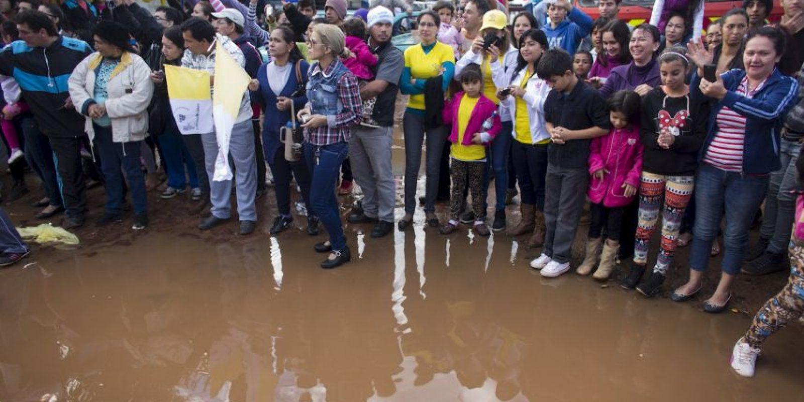 A pesar de todo, miles de personas esperaron por horas para poderlo ver Foto:AP