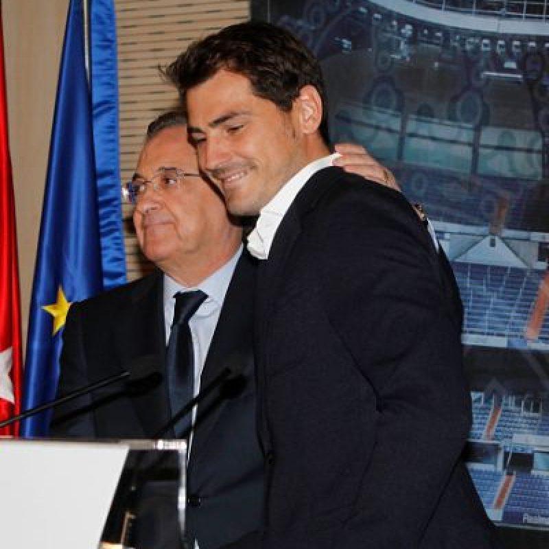 """Tras unas complicadas negociaciones, Iker Casillas quedó ligado con los """"Dragones"""" por las próximas dos temporadas. Foto:Getty Images"""