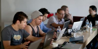 Técnicos de red informática. Foto:Getty Images