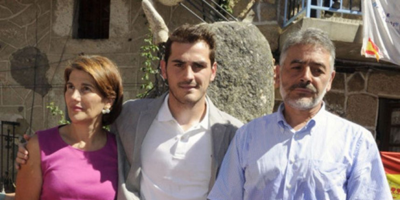 María del Carmen Fernández (izquierda) indicó que Iker no debería ir al Porto, un club de segunda Foto:Getty Images