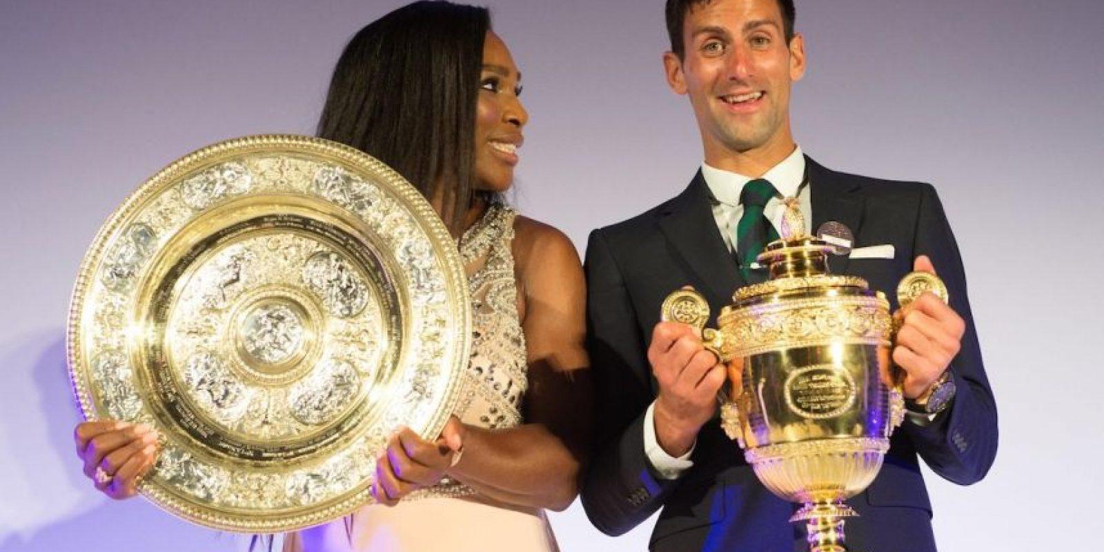 Serena Williams y Novak Djokovic, los campeones de Wimbledon 2015. Foto:Vía facebook.com/wimbledon