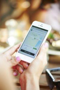 Para evitar seguir siendo víctimas de agresiones, mantienen grupos de WhatsApp y son capacitados de manera constante por parte de Uber. Foto:Uber