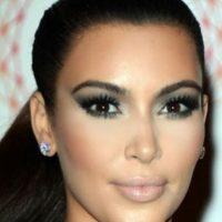 Kim Kardashian es su más grande impulsora. Gracias a esta, afina rasgos de su cara e ilumina otros. Foto:vía Getty Images