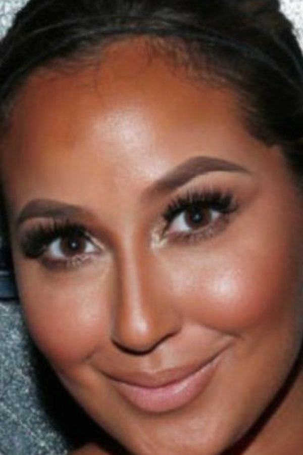 Toro recomienda el strobing, técnica que ha reemplazado poco a poco la impuesta por Kim Kardashian. . Foto:vía Getty Images
