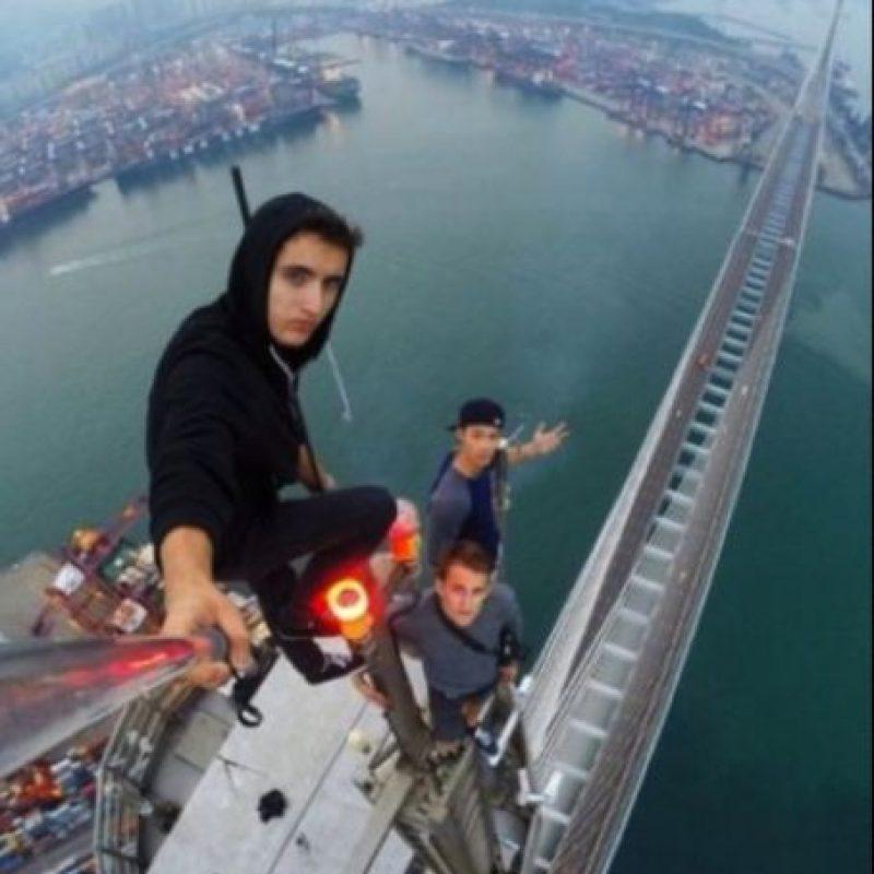 """El """"roofing"""", moda de selfies extremos protagonizados en su mayoría por jóvenes, sigue dando de qué hablar Foto:Instagram @daniel__lau"""