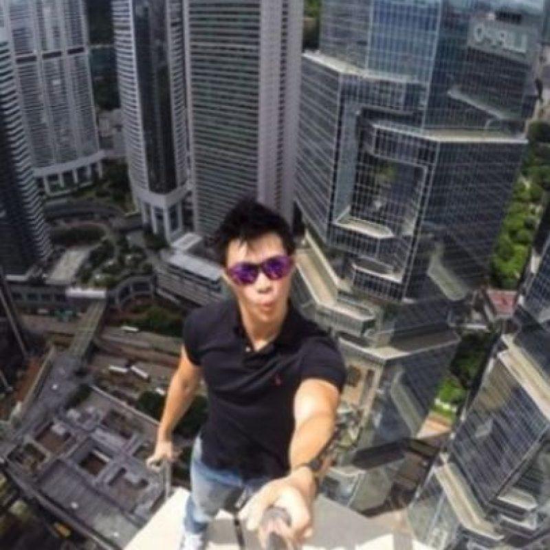 Daniel Lau, un joven de Hong Kong, subió a una torre localizada en dicho país, la cual tiene 346 metros de altura, informó Likedose.com Foto:Instagram @daniel__lau