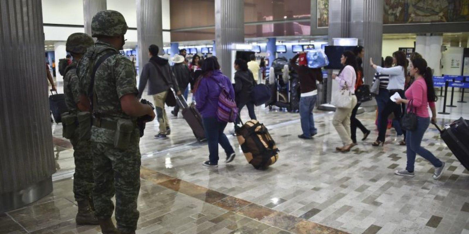 Autoridades mexicanas ofrecen 60 millones de pesos mexicanos por quien aporte información que lleve a la captrua del criminal Foto:AFP