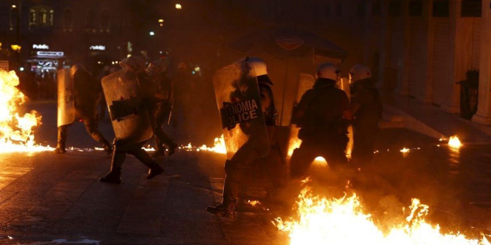 Los manifestantes piden rechazar las medidas propuestas por el Eurogrupo Foto:AP